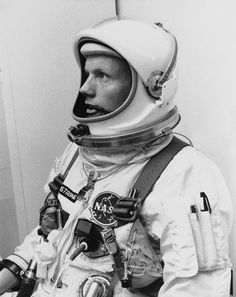 In this March 1966 file photo Astronaut Neil Armstrong, pilot for the Gemini VIII mission is shown. The family of Neil Armstrong, the first man to walk on the moon, says he has died at age Neil Armstrong, Sistema Solar, Project Gemini, Apollo Missions, Space Race, Man On The Moon, Space And Astronomy, Nasa Space, Milky Way