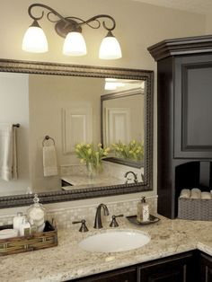 """Traditional """"l"""" Shaped Vanity Bath Design Ideas, Pictures, Remodel & Decor"""
