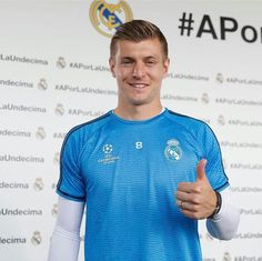 """May Modrić, Kroos and Carvajal spoke to the press on Open Media Day - videos Luka Modrić """"We know it will be a very difficult game, like they always are against them, but we're very. Real Madrid, Toni Kroos, Football Players, Polo Ralph Lauren, Mens Tops, Sports, Football Soccer, Soccer Players"""