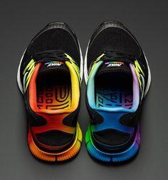 Nike running shoes. Whoa! I kind of like these...  ik ook maar helaas niet voor mijn voeten geschikt :-(