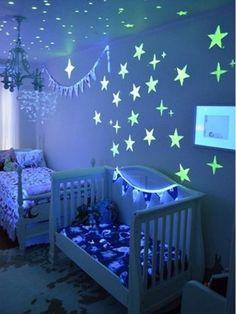 Pegatinas fosforescentes #dormitorio_bebe #baby_room #cuna #baby_cot
