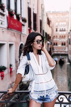 Although I was really sad to leave Rome so soon, getting through the busy Termini station and onto our train to Venice, I could not be... Lux Fashion, Daily Fashion, Fitness Fashion, Fashion Today, Estilo Blogger, Spring Summer Fashion, Spring Outfits, Short Outfits, Casual Outfits