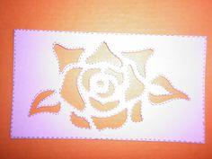 molde de una rosa mide de largo 7 x 10 es para que se den cuenta de la medida nomas.