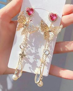 Image in jewelry diamond accessories 💍 collection by Ear Jewelry, Cute Jewelry, Bridal Jewelry, Kawaii Accessories, Jewelry Accessories, Jewelry Design, Fancy Jewellery, Stylish Jewelry, Cute Earrings
