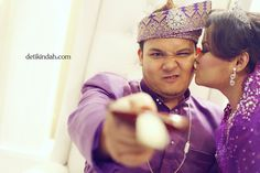 One of our cute shots during 19.2.12 reception (Malaysian Wedding)