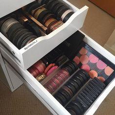 Alex Drawer Organization, Makeup Organization, Makeup Box, Skin Makeup, Rangement Makeup, Makeup Aisle, Ikea Alex, Make Up Storage, Makeup Rooms