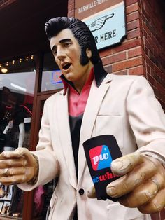 Elvis Presley, AKA the king, only drinks when he has a Picwhich koozie.