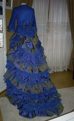 TRAJES DE EPOCA: Vestido estilo Victoriano azulón (tallas 36-42). Precio de venta: 800 euros.  (Incluye todos los complementos)
