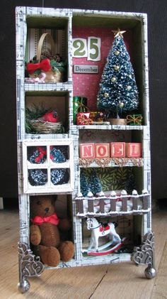 Christmas shadow box - - almost a pinboard - SUPER idea for areas where there is little room for a tree - like bathroom or kitchen. Adapted for kids rooms it's doll house-like. Noel Christmas, Country Christmas, All Things Christmas, Vintage Christmas, Christmas Ornaments, Miniature Christmas, Christmas Images, Christmas Projects, Holiday Crafts