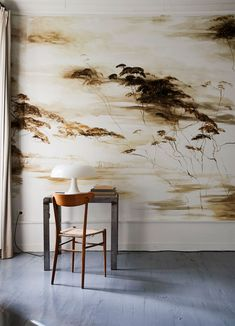 Miss Moss · Claire Basler & Château de Beauvoir Claire Basler, Miss Moss, Ivy House, Soothing Colors, Minimalist Living, Wall Treatments, Of Wallpaper, Amazing Wallpaper, Light Table