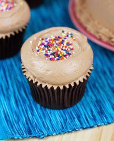 Objetivo: Cupcake Perfecto.: Nos vemos pronto (espero!! jeje) - Layer cake y cupcakes de chocolate y nutella