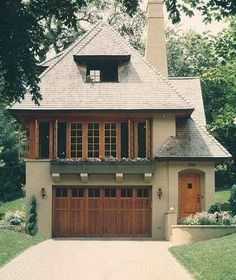 I Love Unique Home Architecture. Simply stunning architecture engineering full of charisma nature love. The works of architecture shows the harmony within. Villa, Dormer Windows, Wood Windows, Dormer House, Large Windows, Window Styles, House Goals, Home Fashion, My Dream Home