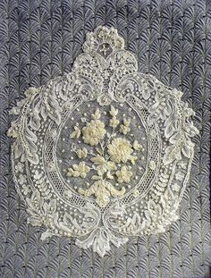 Wonderful Ribbon Embroidery Flowers by Hand Ideas. Enchanting Ribbon Embroidery Flowers by Hand Ideas. Silk Ribbon Embroidery, Lace Ribbon, Ribbon Work, Needle Lace, Bobbin Lace, Antique Lace, Vintage Lace, Shabby, Irish Crochet