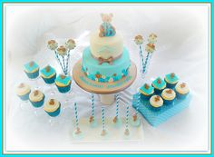 """""""Teddy bear & buttons""""  Christening cake and cake pops"""