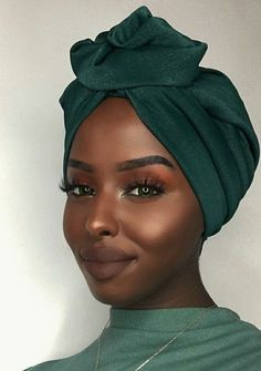 Gorgeous skin, beautiful face headwraps in 2019 прически, аф Dark Skin Makeup, Dark Skin Beauty, Hair Beauty, Dark Skin Eyeshadow, Face Makeup, Eyeshadow Makeup, Eyeshadow Palette, Black Girl Makeup, Girls Makeup