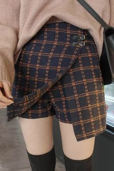 Women's Korean Fashion Cute Asian Fashion, Korean Fashion, Skirt Pants, Dress Skirt, Fashion Shorts, Fashion Outfits, Fashion Trends, Sweater Making, High Waisted Shorts