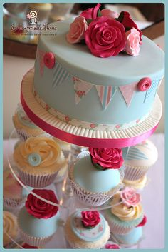 Vintage Rose & Bunting Wedding Cupcake Tower from Scrumptious Buns, UK Cupcake Tower Wedding, Wedding Cupcakes, Cupcake Towers, Beautiful Cakes, Amazing Cakes, Rose Vintage, Tea Party Birthday, Birthday Ideas, Birthday Cakes For Women