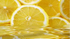 There are so many health benefits linked to lemon water! Read on to discover 7 incredible ways lemon water can improve your overall health! Herbal Remedies, Home Remedies, Natural Remedies, Lemon Oil, Lemon Water, Water 3, Hard Water, Lemon Juice Benefits, Diy Beauty