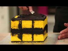 RUBIK'S CUBE CAKE ! - YouTube