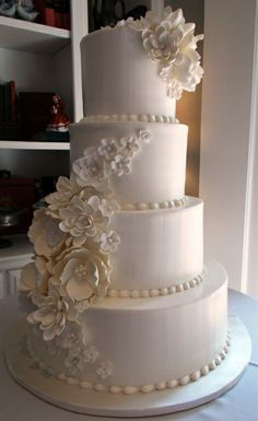 We choose The Best Cake Wedding Inspiration For Your Wedding. It's possible to basically pick the cake afterward, whether or not it's frozen or Batman! Wedding cakes are an enjoyable ap… Beautiful Wedding Cakes, Gorgeous Cakes, Pretty Cakes, Amazing Cakes, Elegant Wedding Cakes, Elegant Cakes, Cake Cookies, Cupcake Cakes, Cupcakes