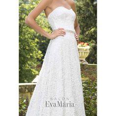 Svadobné krajkované šaty s opaskom Vanessa Salons, Lounges