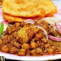 Via @anuradhag86 -  Hello Happiness   #WorldChholeBhatureDay  #Foodiye  @foodiye_international @indian_foodiye @eat.lo #chholebhatureday #chholebhature #sodelhi @sh_ager #delhifoodblogger #eeeeeats #streetfood #foodporn #desifoodporn #foodfoodfood #Foodiye #indianfoodiye #MumbaiFoodiye #IncredibleIndia .  Follow  @Mumbai_Foodiye  Follow  @foodiye_international   Tag friends you want to eat this with