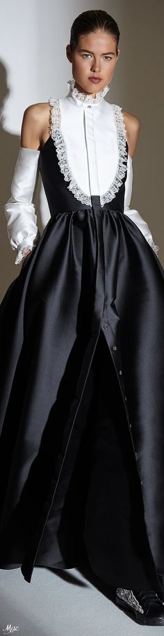 Spring 2021 RTW Alexis Mabille Women's Runway Fashion, Fashion Trends, Alexis Mabille, Neck Piece, Black N White, Evening Gowns, Editorial Fashion, Catwalk, Beautiful Dresses