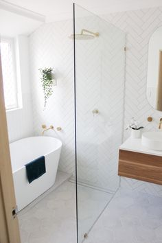 Small Bathroom With Bath, Small Wet Room, Wet Room Bathroom, Upstairs Bathrooms, Laundry In Bathroom, Bathroom Design Small, Bathroom Renos, Bathroom Interior Design, White Bathroom Wall Tiles