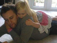 Смертельно больной отец собрал полмиллиона фунтов на лечение приемной дочери