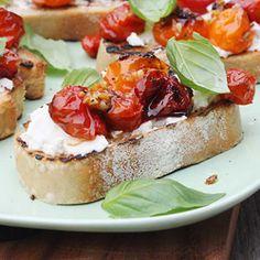 Roasted tomato and ricotta bruschetta HealthyAperture.com