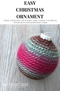 Learn how to crochet this Easy Christmas ornament with this free crochet pattern and video tutorial. Crochet Home, Easy Crochet, Tutorial Crochet, Free Crochet, Crochet Christmas Decorations, Crochet Christmas Ornaments, Holiday Crochet, Crochet Designs, Crochet Patterns