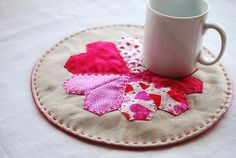 project // english paper-pieced heart mat (via @mollie wren wren wren Johanson)