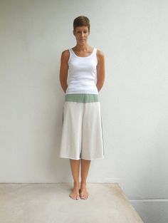 T Shirt Cropped Pants / Yoga Pants / Gaucho / Capris / by ohzie #ecofriendly #fashion #recycle #upcycle