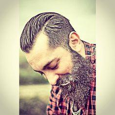 """Mi piace"": 122, commenti: 1 - Pasquale Ferraro (@ferraro80p) su Instagram: ""⚔ΒΣΛЯDΣD VILLΛΙИS⚔ We are a brotherhood of elite bearded men from all over the world.  Established…"""