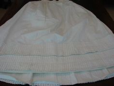 ANTIQUE-1800S-EARLY-VICTORIAN-PLEATED-PETTICOAT-FOR-BUSTLE-HEAVY-COTTON-EXC