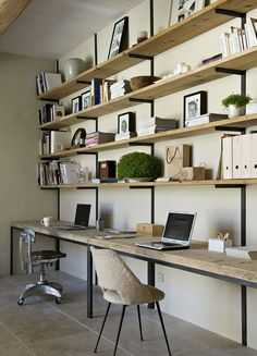Looking for home office ideas that will inspire productivity and creativity? Discover 65 stunning home office design ideas that make will make work fun. Suppose Design Office, Home Office Design, House Design, Office Designs, Office Workspace, Office Shelving, Desk Shelves, Wall Desk, Open Shelves