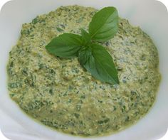 » Vegan Walnut Pesto - This was great! Next time, hold back the water until you check the texture. Basil Walnut Pesto, Basil Pesto, Dairy Free Dips, Brown Rice Pasta, Candida Diet, Candida Cleanse, Vegan Pesto, Candida Recipes, Happy Vegan