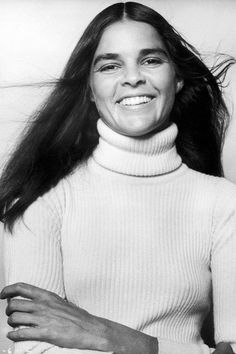 A look back at the best celebrity eyebrows: Ali Macgraw 1970s Hairstyles, Vintage Hairstyles, Celebrity Eyebrows, Makeup Articles, Ali Macgraw, Full Brows, Best Eyebrow Products, Facial Recognition, Microblading Eyebrows