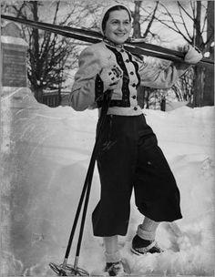 The Viennese skiing champion Madame Maria Singer taught Mt. Holyoke students how to ski down Mt. Vintage Ski, Vintage Style, Skiing Images, Vintage Winter Fashion, Ski Fashion, Daily Fashion, Ski Season, Champions, Winter Sports
