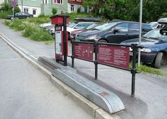 Bicycling is a cheap and healthy way to get around, but a steep hill can become a casual cyclist's Achilles' heel. Luckily, the Norwegian city of Trondheim has a solution to this problem – a bike escalator. Bike Lift, Trondheim Norway, Urban Design Plan, Just Video, Eco Architecture, Commuter Bike, Green Building, Sustainable Design, First World