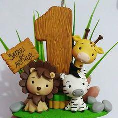 Fondant Toppers, Fondant Cupcakes, Cupcake Cakes, Jungle Theme Cakes, Safari Cakes, Half Birthday Baby, Crochet Stone, Cake Templates, Fondant Animals
