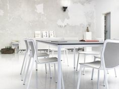 CHASSIS multi-purpose chair | Design: Stefan Diez | Concentra conference table | By Wilkhahn | #chassis #concentra