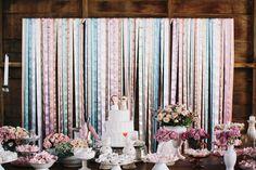 apaixonada por essa mesa de doces e pelo bolo