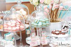 Confiram a decoração do Chá de Panela da Helena, uma festa em rosa e azul com todo o charme, super dica de inspiração para as leitoras do Blog!