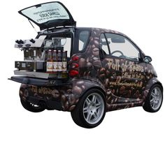 Discover our Smart Car Conversion - a vehicle which not only drives well but also produces great espresso. Start your coffee business in style today! Coffee Van, Big Coffee, Coffee To Go, Food Cart Design, Food Truck Design, Mobile Cafe, Mobile Shop, Mobile Boutique, Coffee Carts