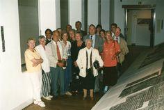 In 1996 werd voor de tentoonstelling 'Mensen over de vloer' een frottage van  een huis gemaakt. Op de foto staan alle bewoners van dat huis.