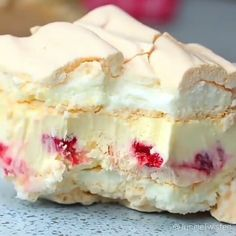 Mega delicious 🤤🤤🍓🍓 Rate the recipe- Мега вкусно 🤤🤤🍓🍓 Ставьте оценку рецепт… Mega delicious 🤤🤤🍓🍓 Put … - Dessert Cake Recipes, Gourmet Desserts, Just Desserts, Delicious Desserts, Yummy Food, Sweet Tarts, Recipe Details, Food Cakes, Christmas Desserts