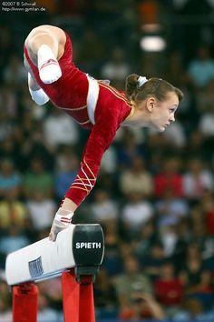 Dariya Zgoba (Ukraine) on balance beam at the 2007 World Championships