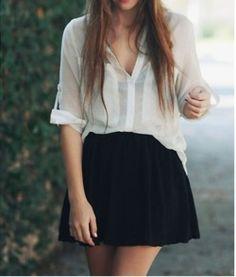 black mini skirt, white blouse!...con falda, lo mismo!