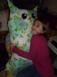 JaLaRu: Owl Pillow for Layla